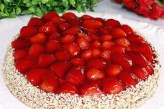 Студень изысканного десерта пирога клубники красный toping Стоковое Фото