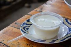 Студень кокоса в парном молоке Стоковое фото RF