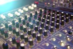 студия звукозаписи профессионала нот тональнозвукового пульта смешивая Стоковое Изображение RF
