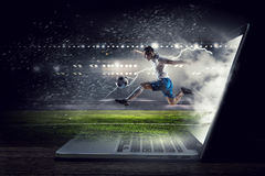 студия футбола игрока изображения действия польностью isloted Мультимедиа Стоковое Изображение