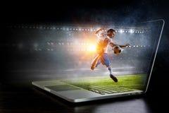 студия футбола игрока изображения действия польностью isloted Мультимедиа Стоковые Фото
