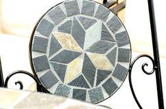 Стул камня мозаики сада Стоковые Фотографии RF