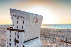 стул пляжа обнаружил местонахождение взморье курорта Стоковое Фото
