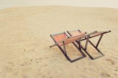 стул пляжа обнаружил местонахождение взморье курорта Стоковые Изображения RF