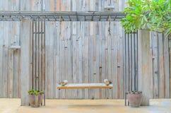 Стул древесины качания стоковое фото rf