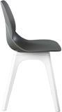 Стул серого цвета пластичный, современный дизайнер Стул изолированный на белой предпосылке вектор интерьера иллюстрации мебели Стоковая Фотография