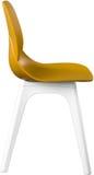 Стул цвета мустарда пластичный, современный дизайнер Стул изолированный на белой предпосылке вектор интерьера иллюстрации мебели Стоковые Изображения RF