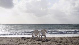 стулы пляжа 2 Стоковые Фотографии RF