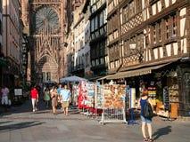 Сувенирные магазины на руте Merciere к собору страсбурга Стоковое Фото