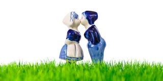 сувенир голландской девушки мальчика целуя Стоковое Фото