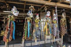 Сувенир от острова Бали Традиционная деревянная марионетка картины Индонезия Стоковое фото RF