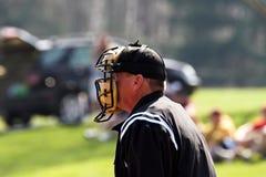 судья на вышке плиты бейсбола Стоковая Фотография