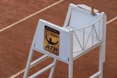 Судья на вышке стула тенниса стоковые изображения rf