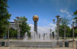 Суд парка всемирнаяа ярмарка фонтана Ноксвилла Теннесси флагов Стоковое Изображение RF