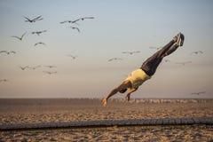 Сумасшедшее летание танцора стоковое изображение rf