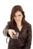 сумашедшая указывая дистанционная женщина стоковое изображение rf