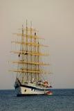 сумерк корабля sailing Стоковые Фотографии RF