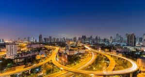 Сумерк пути основы срочного в городе Бангкока Стоковая Фотография