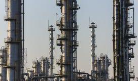 сумерк рафинадного завода газовое маслоо Стоковая Фотография