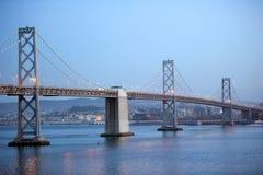 сумерк francisco san моста залива красивейшее Стоковые Фотографии RF
