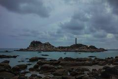 Сумерк Gloaming на маяке Ke Ga, provice Binh Thuan, Вьетнаме стоковые изображения rf