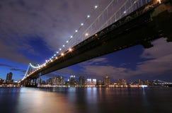 сумерк manhattan моста Стоковая Фотография RF