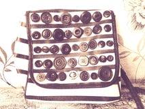 сумка с кнопками и нашивками стоковые фотографии rf
