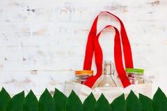 Сумки и стекло хлопка gar бесплатно пластиковые покупки стоковое изображение rf