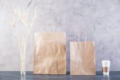 Сумки, пшеница и кофе еды Стоковая Фотография