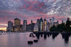 Сумрак горизонта Манхаттана стоковое фото rf