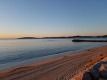 Сумрак на заливе St Tropez и Sainte MAxime стоковое изображение