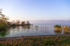 Сумрак на озере Volvi Стоковая Фотография