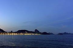Сумрак на пляже Copacabana Стоковая Фотография RF