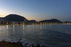 Сумрак на пляже Copacabana Стоковые Изображения RF