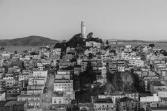 Сумрак Сан-Франциско башни Coit черно-белый Стоковое фото RF