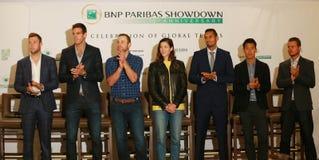 Суперзвезды тенниса во время пресс-конференции перед событием тенниса годовщины решающего сражения BNP Paribas 10th на гостинице  Стоковые Фото