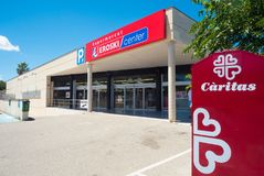 Супермаркет Eroski с carpark в Мальорке, Испанией Стоковое Изображение