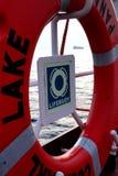 Супертанкер помещенный на палубе томбуя жизни, идентичность, главное оборудование экипажа в спасении жизни дистресса, Стоковое фото RF