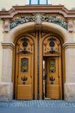 Супер большие винтажные двери Стоковые Изображения