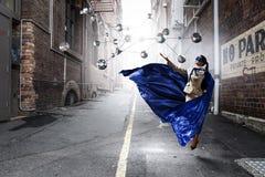 Супер женщина в небе Стоковое Изображение