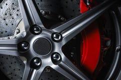 Супер тарельчатый тормоз автомобиля стоковые фото