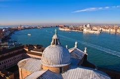Супер широкий панорамный взгляд Венеции от церков Сан Giorgio Maggiore Стоковые Изображения RF
