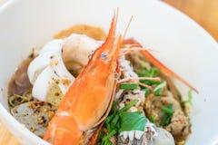 Суп лапши азиатских морепродуктов пряный Стоковая Фотография