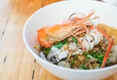Суп лапши азиатских морепродуктов пряный Стоковое Изображение