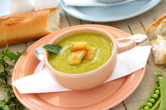 суп гороха croutons Стоковая Фотография