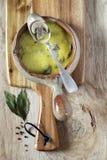 Суп гриба в керамическом баке Стоковые Изображения RF