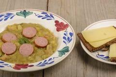 Суп зеленого гороха стоковая фотография rf