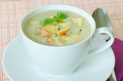 Суп картошки и яблока Стоковое Фото