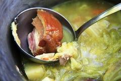 суп кастрюльки свиньи утюга Стоковые Изображения RF