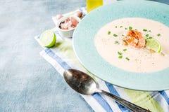 Суп креветки сметанообразный стоковое фото rf